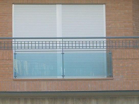 Cerrajer a trabajos en forja carpinter a met lica crefer - Cristales para balcones ...