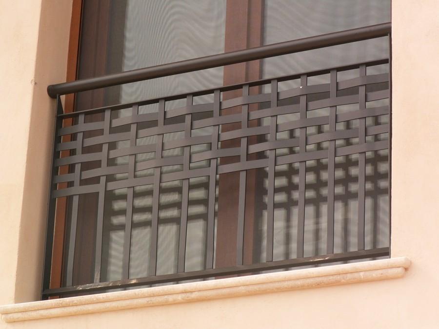 Cerrajer a trabajos en forja carpinter a met lica crefer for Puertas para balcones modernas