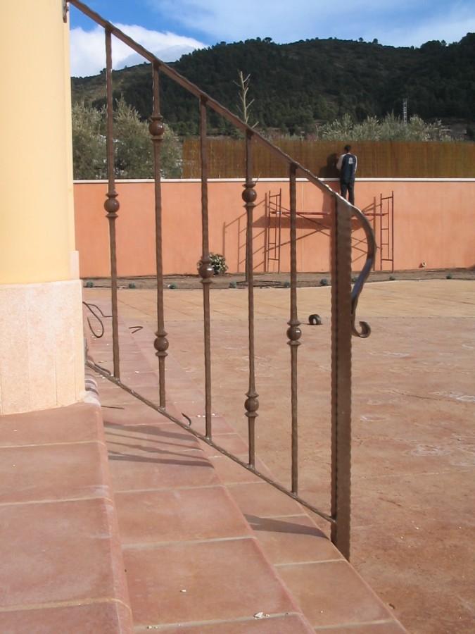 Balcones y barandillas de madera aluminio pvc hierro forja - Barandillas de forja ...