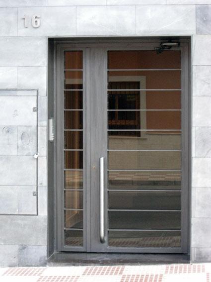 Puertas de forja exterior best puerta exterior with for Puertas para patio exterior
